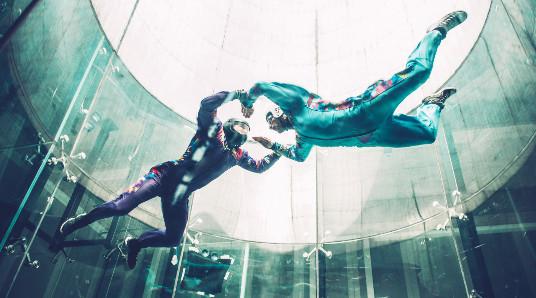 Indoor skydive deluxe